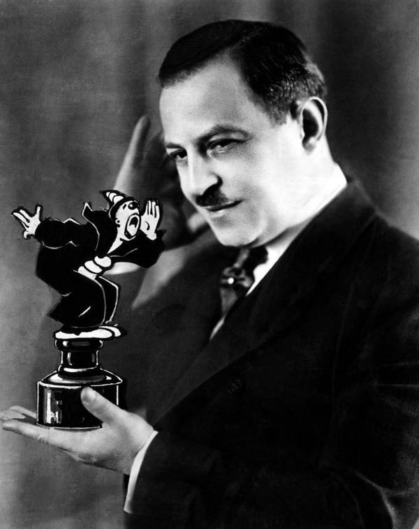 1920s Portraits Art Print featuring the photograph Cartoonist Max Fleisher Holding by Everett