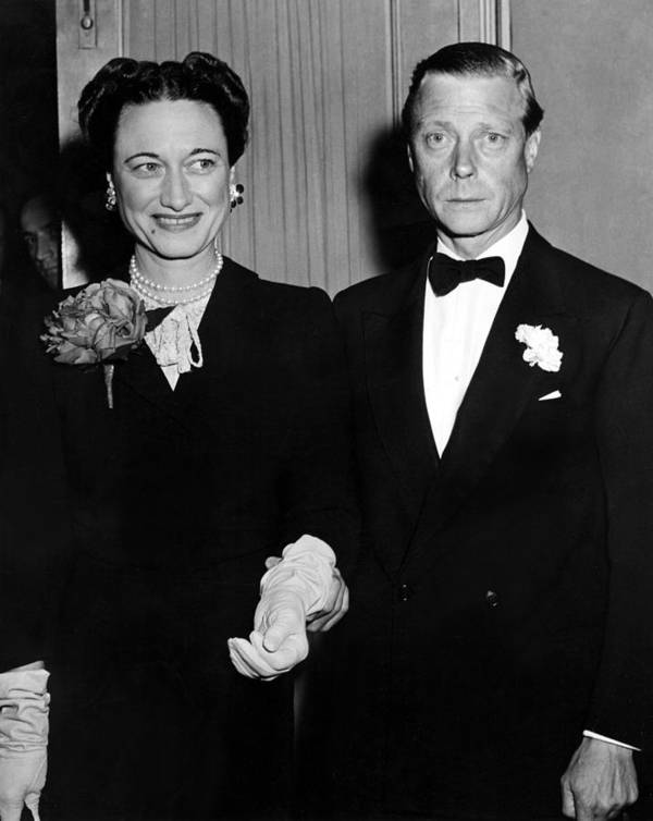 Duchess Of Windsor Print featuring the photograph Duke And Duchess Of Windsor by Everett