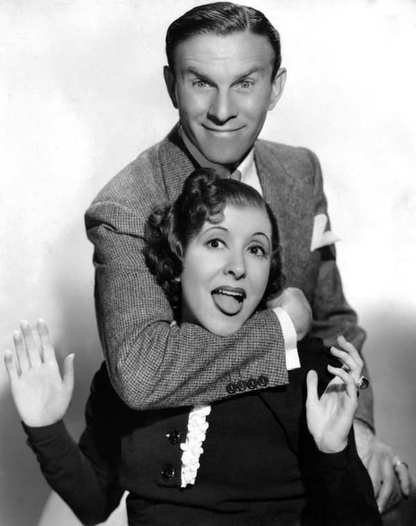 1930s Portraits Art Print featuring the photograph George Burns And Gracie Allen, 1936 by Everett