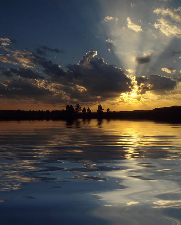 Sunset Art Print featuring the photograph Sunray Sunset by Jerry McElroy