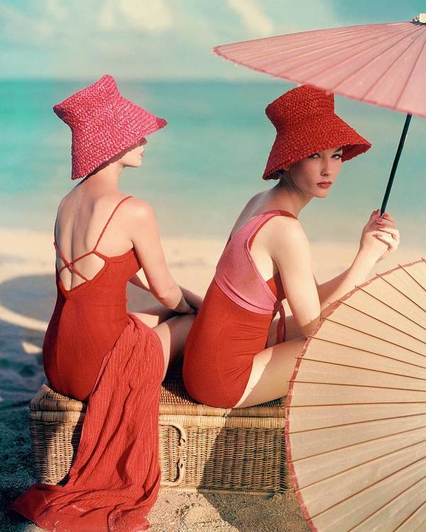Fashion Art Print featuring the photograph Models At A Beach by Louise Dahl-Wolfe