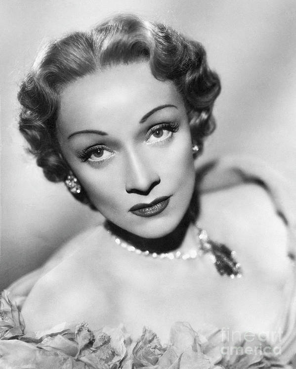 Marlene Dietrich Art Print featuring the photograph Marlene Dietrich by Bettmann
