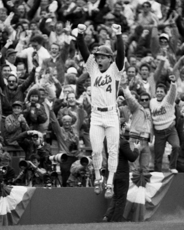 Playoffs Art Print featuring the photograph Lenny Dysktra by New York Daily News Archive