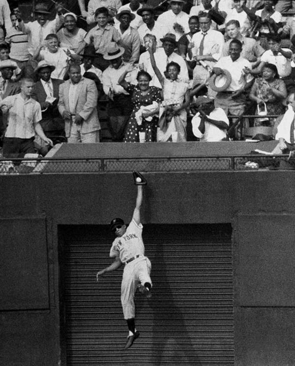 1950-1959 Art Print featuring the photograph The Giants Amazing Willie Mays Amazes by New York Daily News Archive