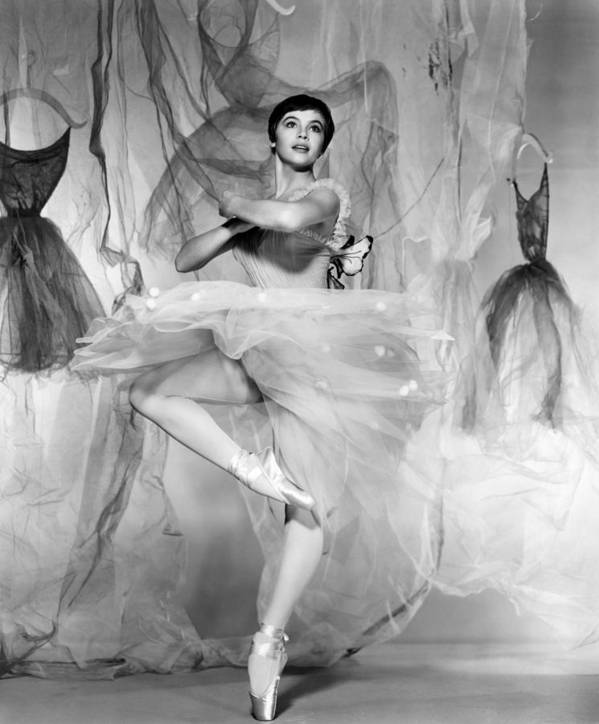 1950s Portraits Print featuring the photograph Daddy Long Legs, Leslie Caron, 1955 by Everett