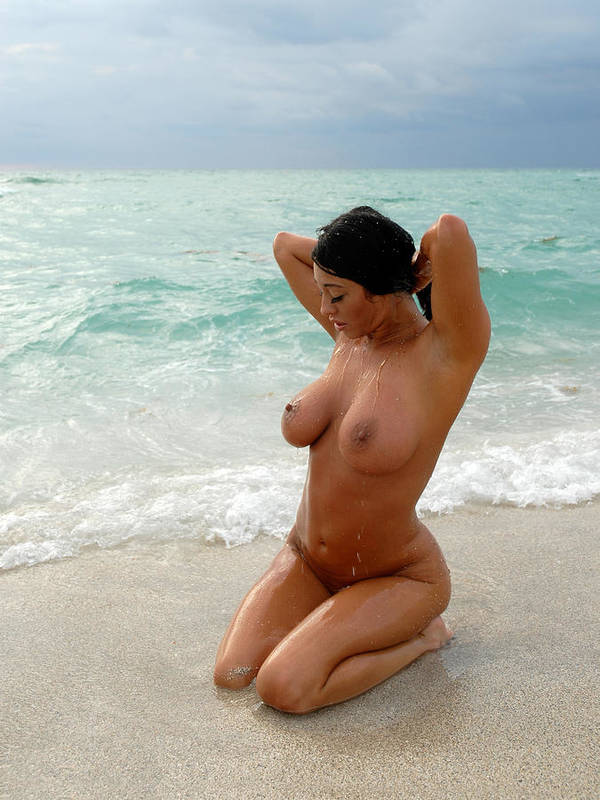 Large woman nude