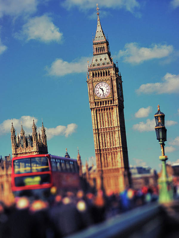 Clock Tower Art Print featuring the photograph Big Ben And Commuter Traffic by Doug Armand