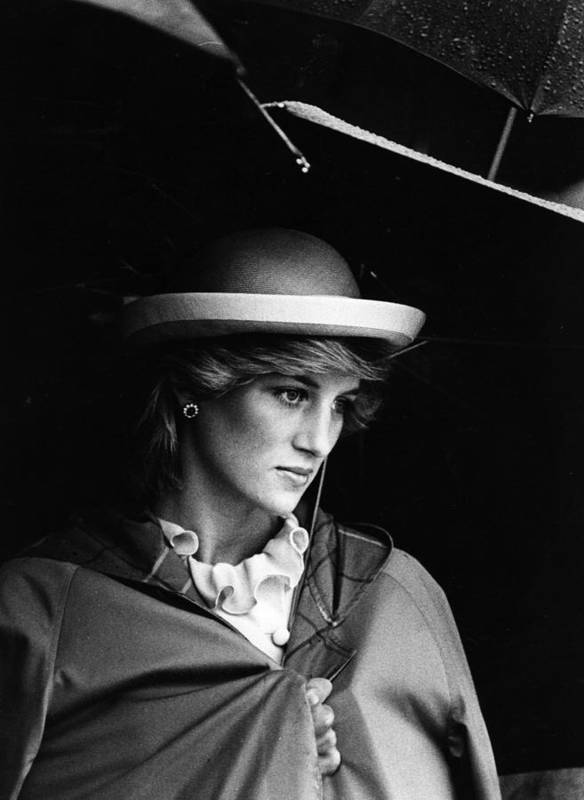 1980-1989 Art Print featuring the photograph Diana In Rain by Hulton Archive