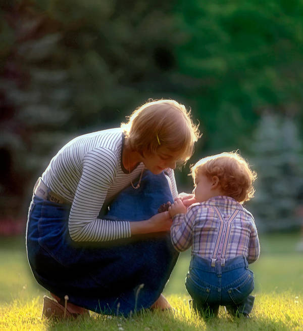 Mother And Son Art Print featuring the photograph Mother With Kid by Juan Carlos Ferro Duque