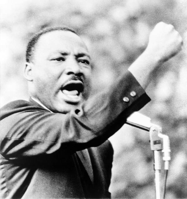 History Print featuring the photograph Martin Luther King, Jr., Gesturing by Everett