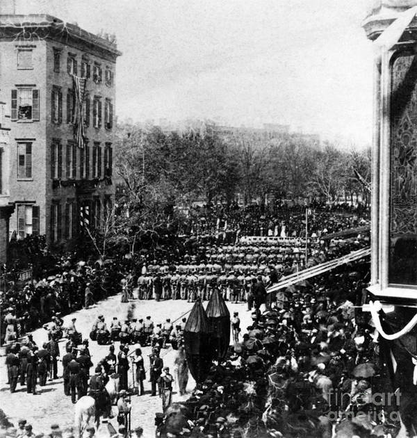 History Art Print featuring the photograph Lincolns Funeral Procession, 1865 by Photo Researchers