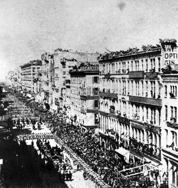 History Print featuring the photograph Lincolns Funeral Procession, 1865 by Photo Researchers