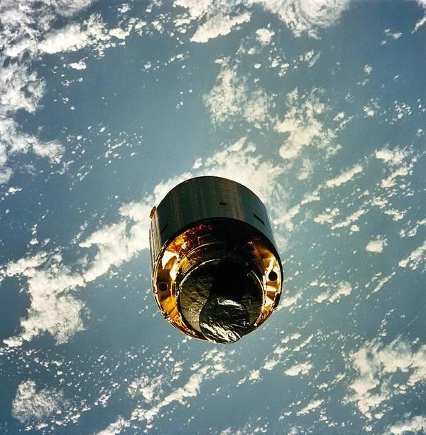 History Art Print featuring the photograph Intelsat Vi, A Communication Satellite by Everett