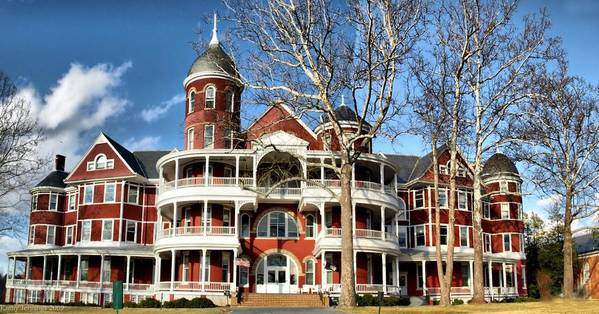 College. Buena Vista Art Print featuring the photograph Southern Virginia University by Kathy Jennings