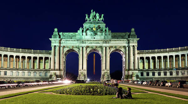 Brussels Art Print featuring the photograph Arcade Du Cinquantenaire At Night - Brussels by Barry O Carroll