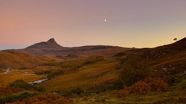 Autumn Art Print featuring the photograph Stac Polly Moonrise by Derek Beattie