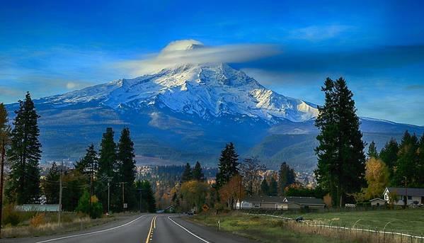Good Morning Mount Hood Art Print featuring the photograph Good Morning Mount Hood by Lynn Hopwood