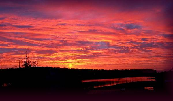Sunrise Art Print featuring the photograph Sunrise Over Miller Bay by Sandra Maddox
