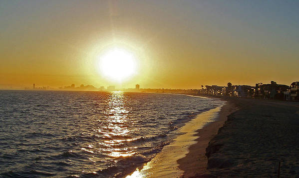 Beaches Art Print featuring the photograph California Sunset by Ernie Echols