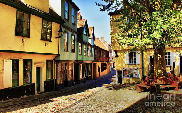 Elm Hill Art Print featuring the photograph Elm Hill Norwich England by Darren Burroughs