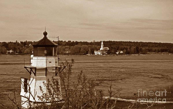 Maritime Art Print featuring the photograph Squirrel Point Lighthouse by Skip Willits