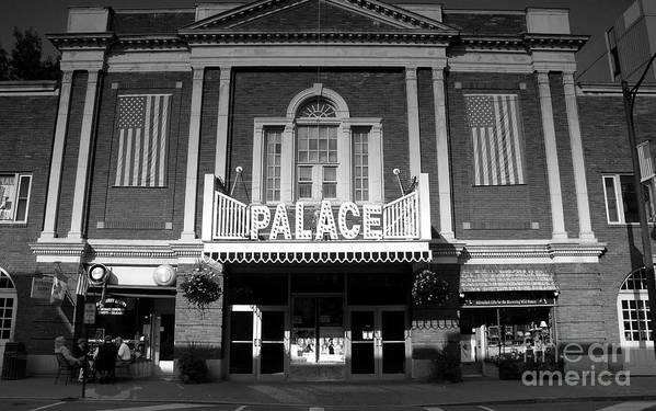 Palace Theater Art Print featuring the photograph The Palace by David Lee Thompson