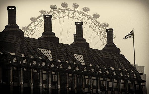 London Art Print featuring the photograph Old And New London by David Resnikoff
