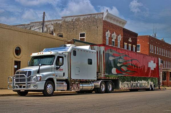Freightliner Semi Truck With Custom Sleeper Art Print