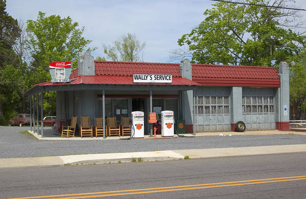 Wallys Service Station Art Print featuring the photograph Wallys Service Station Mayberry by Bob Pardue