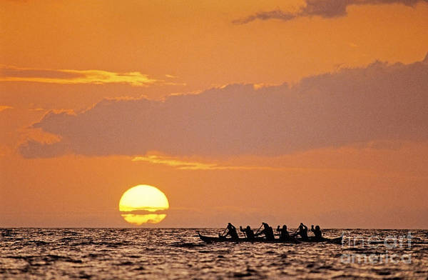 Anaehoomalu Art Print featuring the photograph Canoeing At Sunset by Greg Vaughn - Printscapes