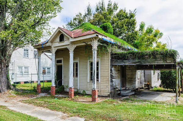 Donaldsonville Art Print featuring the photograph Old House Donaldsonville La-historic by Kathleen K Parker