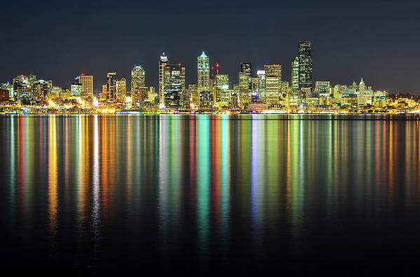 Horizontal Art Print featuring the photograph Seattle Skyline At Night by Hai Huu Thanh Nguyen