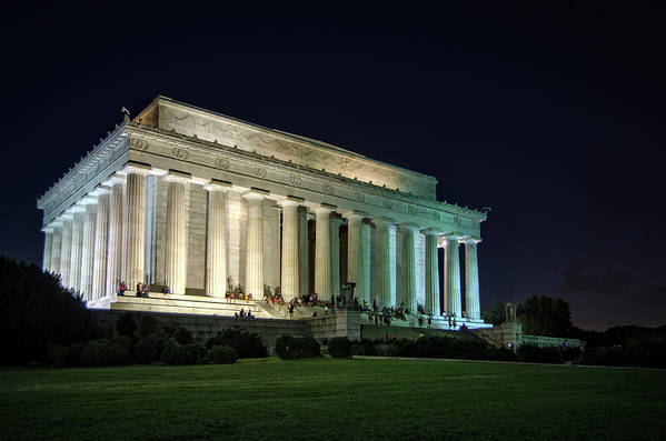 Lincoln Memorial Art Print featuring the photograph The Lincoln Memorial At Night by Greg Mimbs