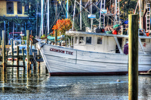 Alabama Art Print featuring the painting Crimson Tide In Harbor by Michael Thomas