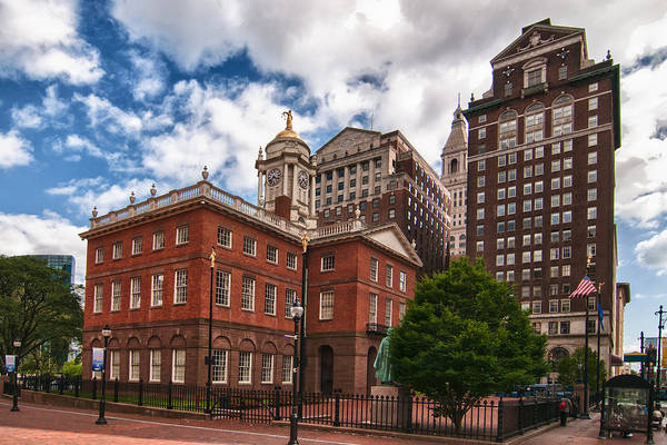 Buildings Art Print featuring the photograph Old State House by Guy Whiteley