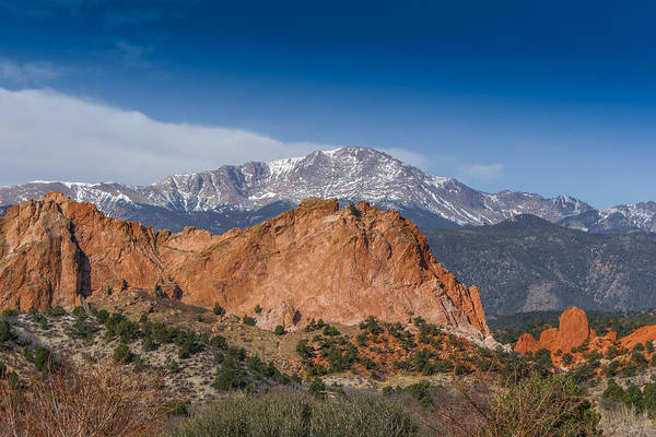 Colorado Artwork Art Print featuring the photograph Pikes Peak Behind Garden Of The Gods by Ernie Echols