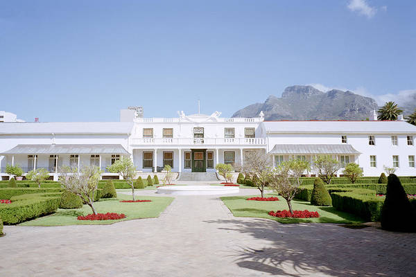 Cape Town Art Print featuring the photograph Tuynhuys by Shaun Higson