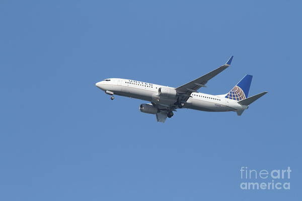 Transportation Art Print featuring the photograph United Airlines Jet 7d21942 by Wingsdomain Art and Photography
