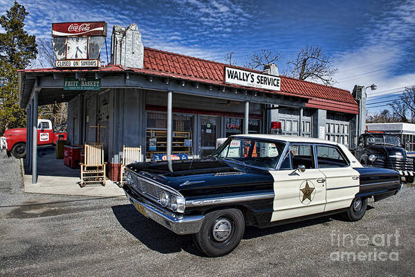 Mt Airy Art Print featuring the photograph Wallys Service Station by David Arment