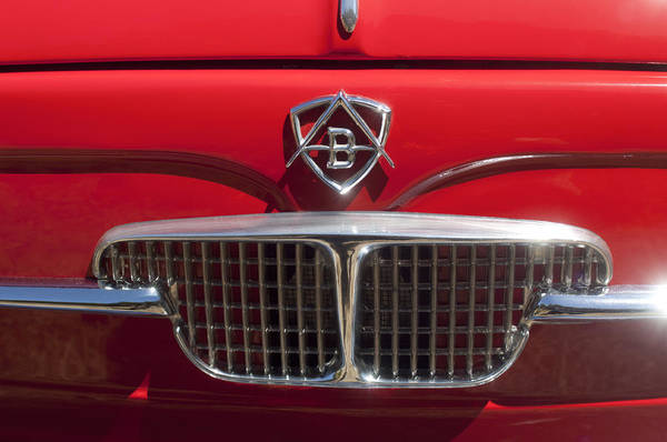 1960 Autobianchi Bianchina Transformabile Coupe Art Print featuring the photograph 1960 Autobianchi Bianchina Transformabile Coupe Hood Emblem by Jill Reger