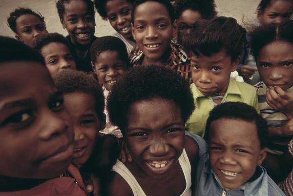 History Art Print featuring the photograph African American Children On The Street by Everett