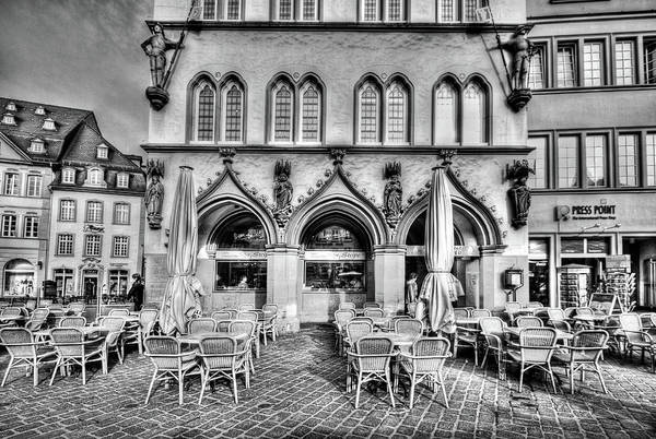 Black And White Art Print featuring the photograph Black And White Patio by Bill Lindsay