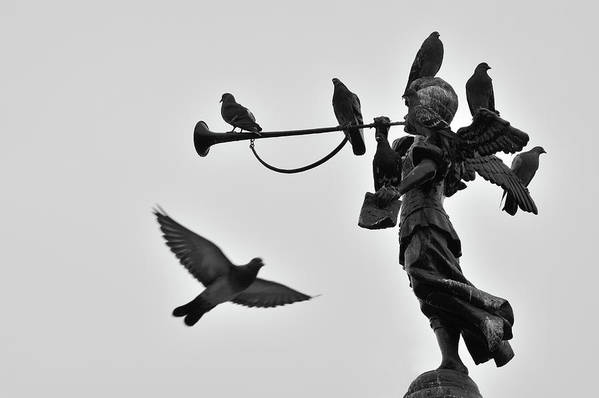 Horizontal Art Print featuring the photograph Clarinet Statue by CarlosAlbertoPhoto