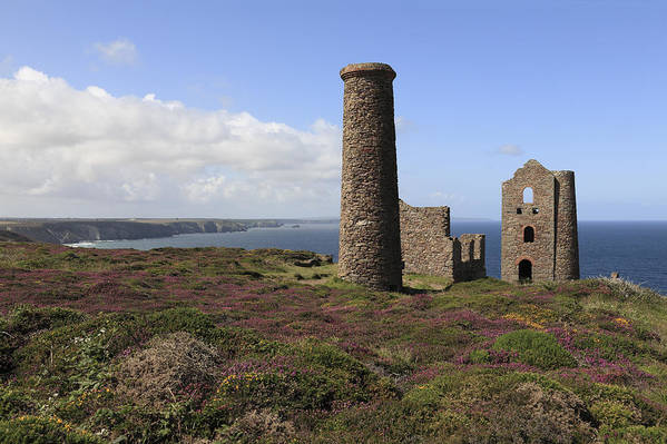 Horizontal Art Print featuring the photograph Ruin Of Wheal Coates Tin Mine, Near St Agnes by Anthony Collins