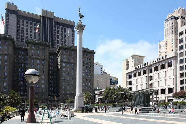 San Francisco Art Print featuring the photograph San Francisco - Union Square - 5d17933 by Wingsdomain Art and Photography