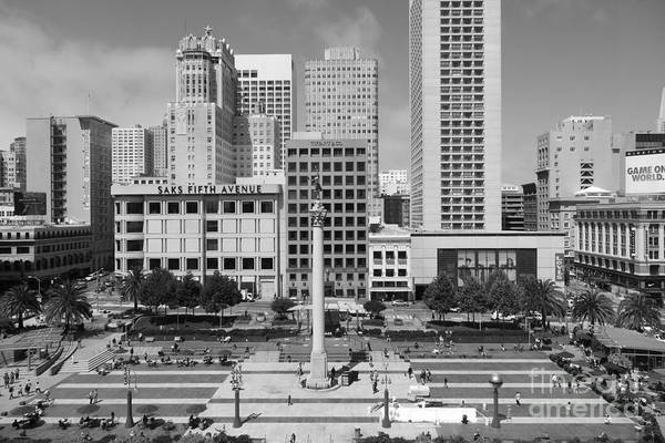 Black And White Art Print featuring the photograph San Francisco - Union Square - 5d17938 - Black And White by Wingsdomain Art and Photography