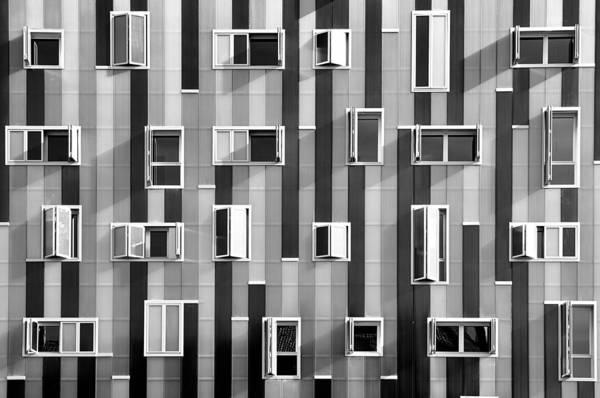 Horizontal Print featuring the photograph Window Facade by Gabriel Sanz (Glitch)