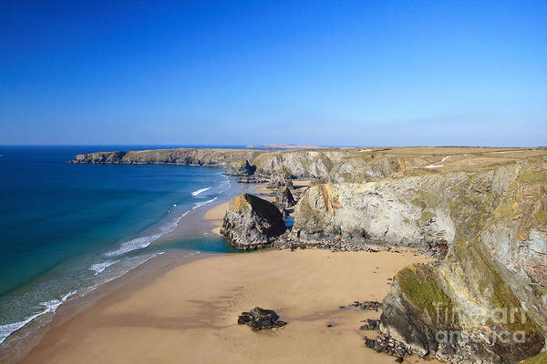 Bedruthan Steps Art Print featuring the photograph Bedruthan Steps by Carl Whitfield