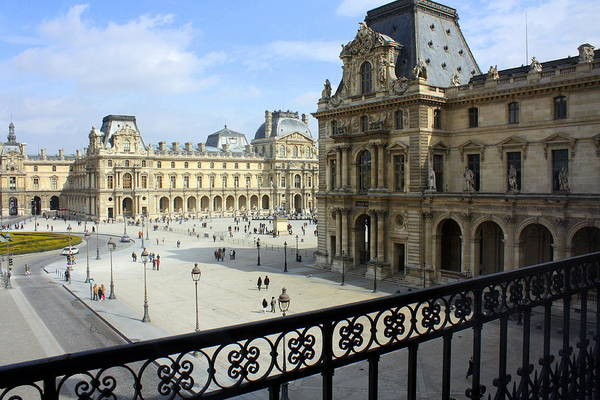 Louvre Art Print featuring the photograph Walking At The Louvre by Susie Weaver