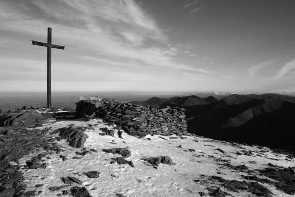 Carrauntoohil Art Print featuring the photograph Carrauntoohil Summit by John Quinn